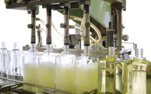 industrial automatic filling of bottles