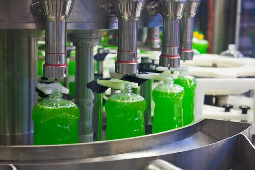 Filling line of liquid in the plastic bottles